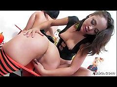 Lesbians Licking Snatch In Pumpkin Patch