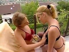lesbian petra short dildo