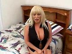 Amateur Babes Blondes Busty Tits
