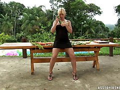 outdoor blonde solo shemale small tits object insertions