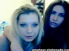 smotri russian lesbian teen girls kissing babes sexy