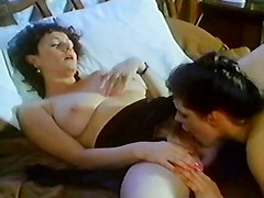 pussy eating lesbian classic