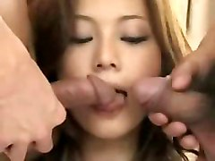 Japanese Asian Wet Teen Babe Threesome Creampie DP