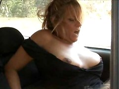 outdoors pussy eating lesbian