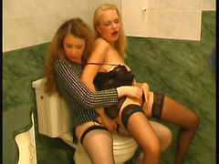 Sisters In The Bath 3