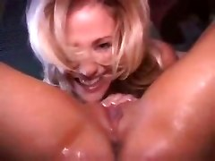 lesbians pissing lick pussy naked girls