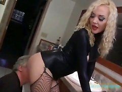 face sitting leather dmina fishnets licking legso