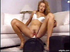 curly headed sex machine orgasm blonde