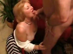 Mature wife dildo plunging