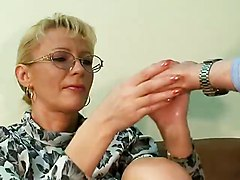 Mature MILF Amateur Marcella Double Fisting Squirting Fucking Machine DeepthroatAmateur Mature Fisting