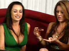 lesbians pussy licking big tits fingering lesbian kiss
