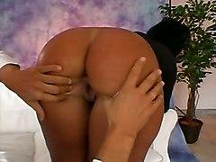 Booty Tan Babe JeansInterracial Latinas Babes Ass
