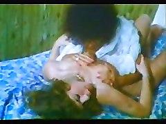 Greek Porn &039;70s-&039;80s(h Kroyaziera Tis Partoyzas) 2