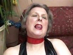 omas mature masturbate dildo