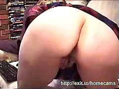 mature mom mother housewife cam webcam masturbating masturbation pussy amateur fingering ass