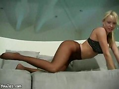 webcam blonde pantyhose shaved solo