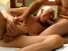 gay 3some bisexual