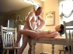Amateur Homemade Brunette Couple Blowjob Cumshot