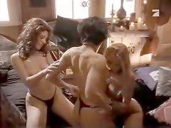 Amanda seyfried amp julianne moore lesbian scene from chloe - 3 part 10
