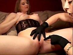 lesbian fingering mature pussylicking