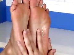 feet lover pretty sexy feets