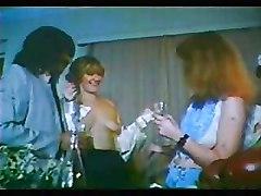 Greek Porn &039;70s-&039;80s(h Kroyaziera Tis Partoyzas) 1