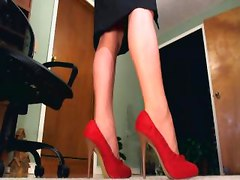 diva feet toes dangle legs femdom domina domme dominatrix tease denial domination