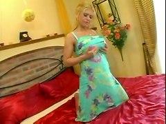 blonde milf busty bigtits bignaturals hugetits saggytits