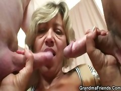 mature mom milf granny grandma oma older old threesome 3some