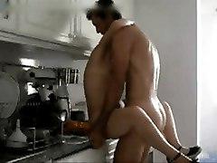 Portuguese Amateur Couple In The Kitchen - Casal Tuga Na Cozinha
