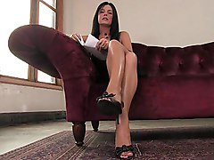 brunette  long hair  legs  long legs  machine  masturbation  dildo  close up  sofa  spread legs India Summer