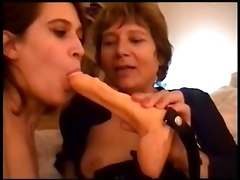 Fingering Lesbians Old   Young