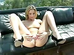 solo slut model pee wet nasty gorgeous blonde pussy banks carli piss pissing