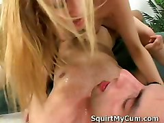 Blonde Riding Pussy Pussylicking Squirting Couch squirt
