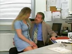 Dad fucks a Chubby Blond Girl