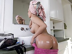 european  slovak  tanned  blonde  beautiful ass  milf  tattoo  beautiful tits  beautiful body  oiled  cute  hot  sexy  babe  bathroom  jacuzzi  fat cock  big cock  blowjob  face  tanned Dianna Doll