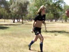 teen blonde outdoor solo public sporty flashing exhibitionist