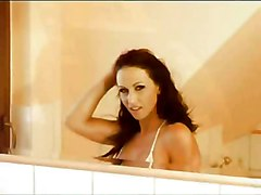 Susana Spears Bubble Bath At Kerotic