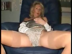 mature mommy masturbation sexy ass